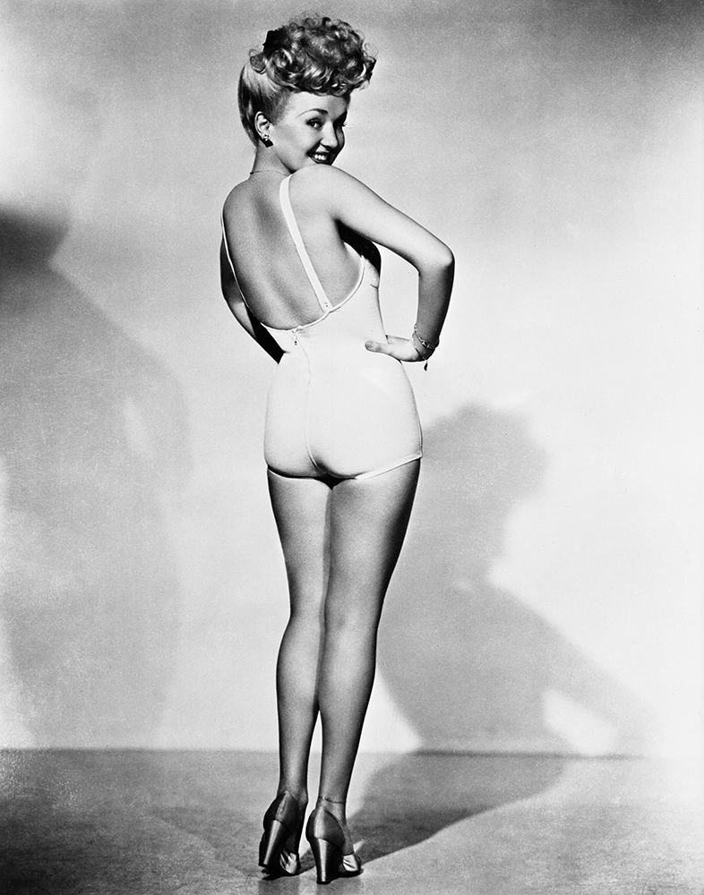konfigurieren des Kunstdrucks in Wunschgröße Betty Grable 1944 WWll Pinup Girl von Unknown