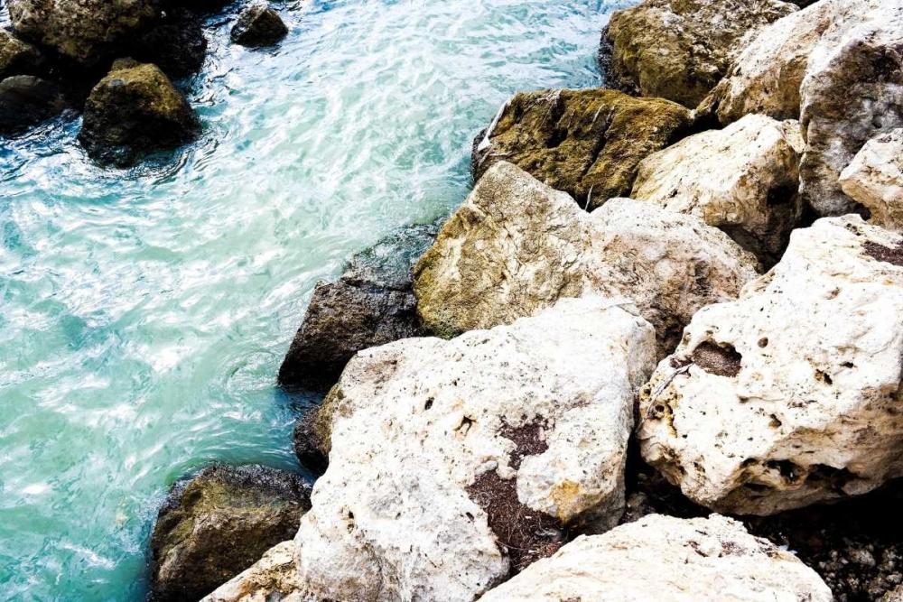 konfigurieren des Kunstdrucks in Wunschgröße Blue By The Rocks von Acosta