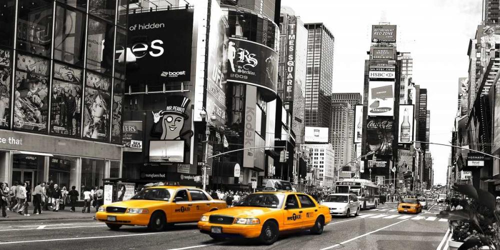 konfigurieren des Kunstdrucks in Wunschgröße Taxi in Times Square, NYC von Anonymous