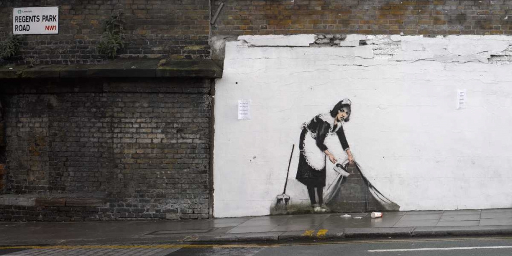 konfigurieren des Kunstdrucks in Wunschgröße Regents Park Rd Camden London-graffiti attributed to Banksy von Anonymous