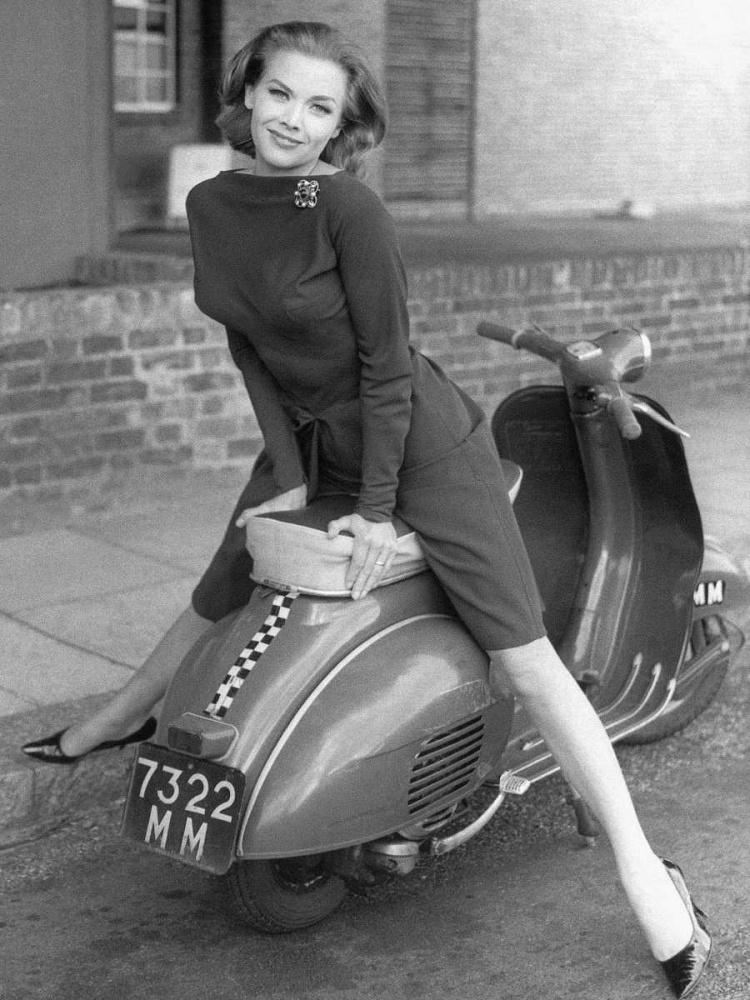 .,Figurative,Black & White,,,,3AP174,Posing on Motor Scooter,Anonymous,Vertical