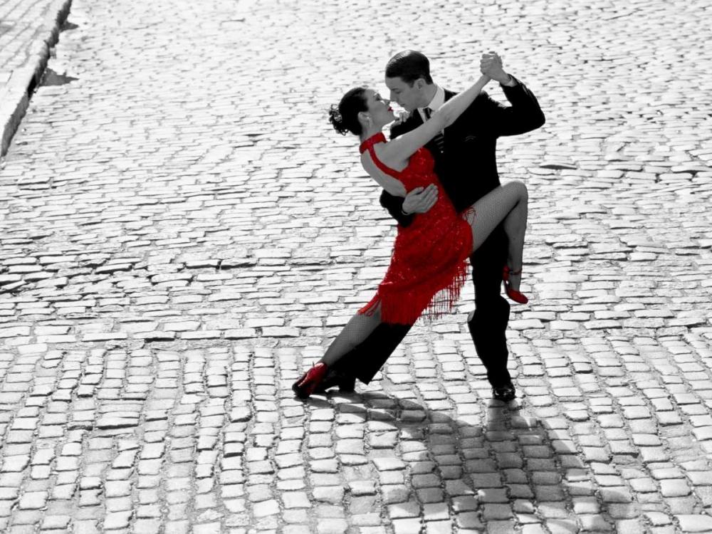 konfigurieren des Kunstdrucks in Wunschgröße Couple dancing Tango on cobblestone road von Anonymous