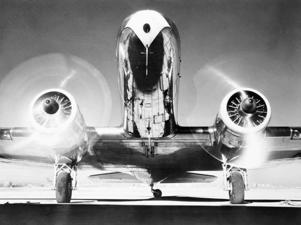konfigurieren des Kunstdrucks in Wunschgröße Front View of Passenger Airplane von Anonymous