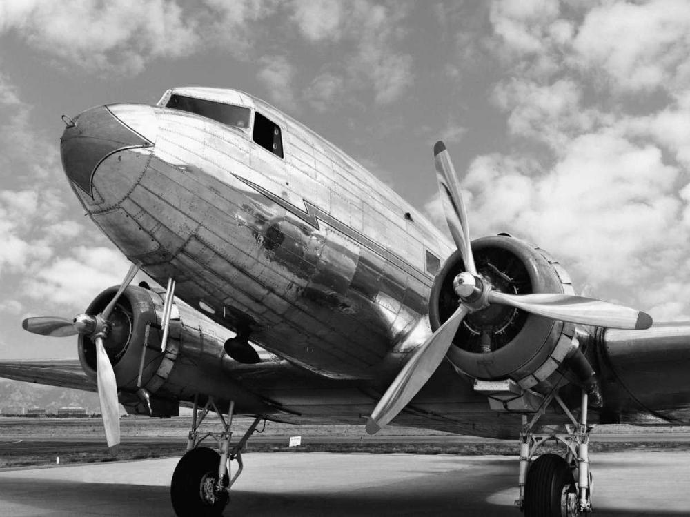 konfigurieren des Kunstdrucks in Wunschgröße DC-3 in air field, Arizona von Anonymous