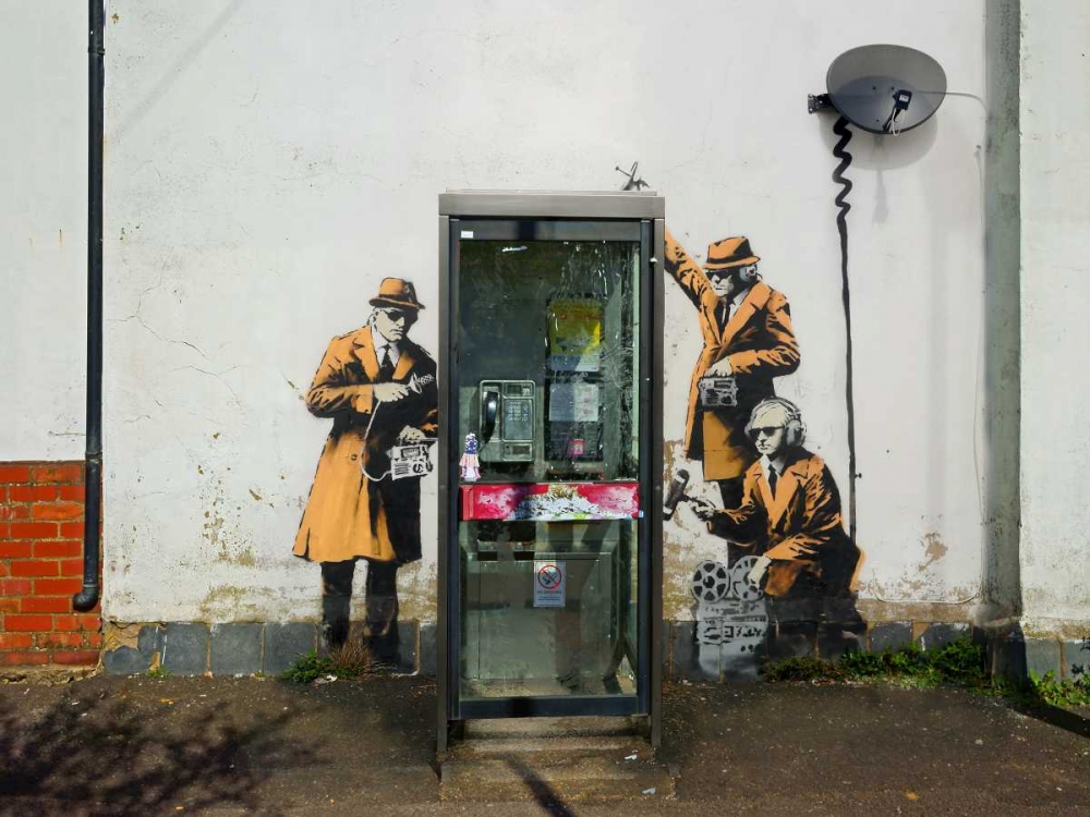 konfigurieren des Kunstdrucks in Wunschgröße Fairview Road and Hewlett Road in Cheltenham, Gloucestershire (graffiti attributed to Banksy) von Anonymous (attributed to Banksy)