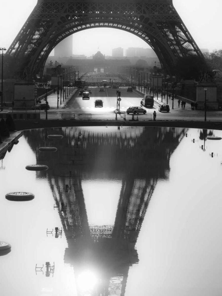 konfigurieren des Kunstdrucks in Wunschgröße The Eiffel tower reflected, Paris von Setboun, Michel