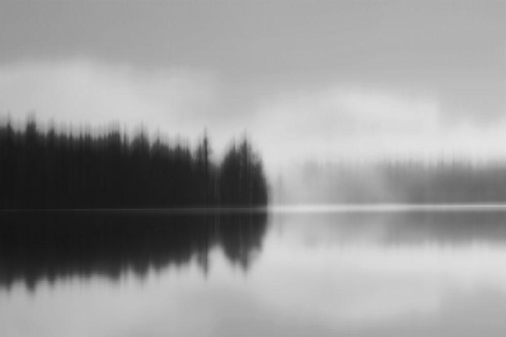 konfigurieren des Kunstdrucks in Wunschgröße Across the Lake von Clark, Madeline