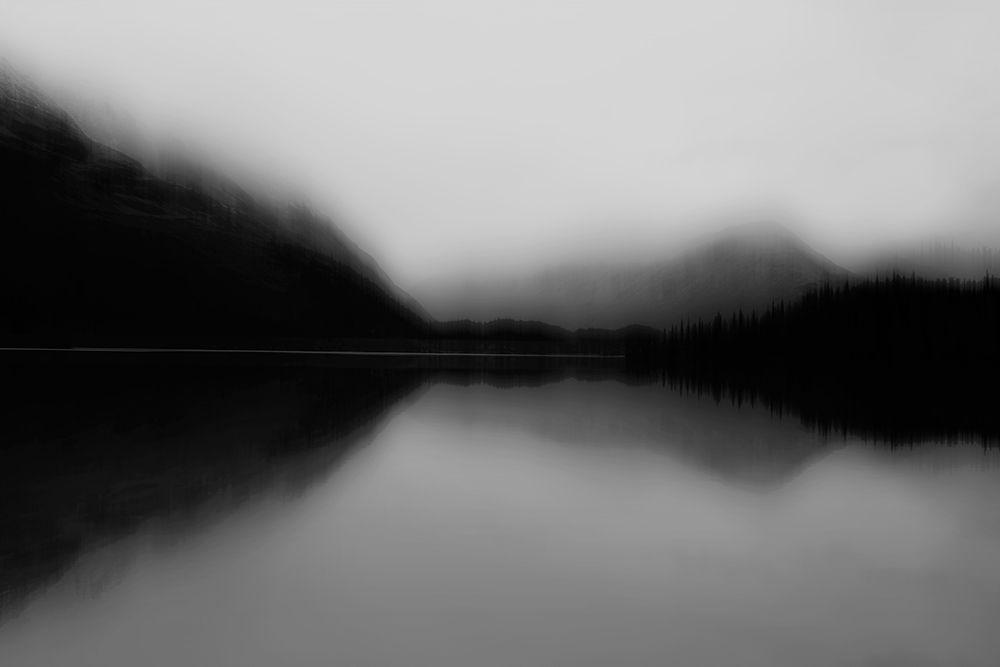 konfigurieren des Kunstdrucks in Wunschgröße Mist on the Lake von Clark, Madeline
