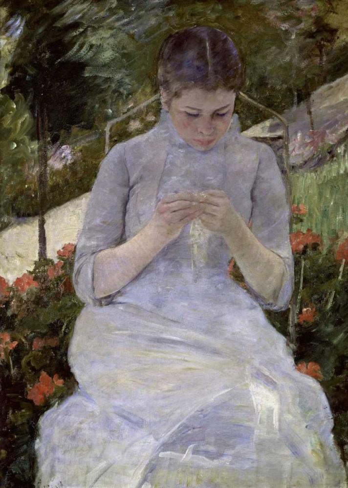 konfigurieren des Kunstdrucks in Wunschgröße Young Woman Sewing in the Garden von Cassatt, Mary