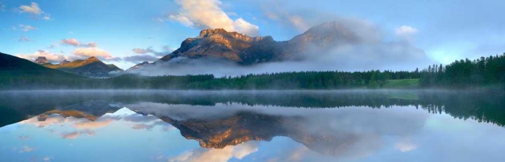 konfigurieren des Kunstdrucks in Wunschgröße Panoramic view of Mt Kidd as seen from Wedge Pond, Alberta, Canada von Fitzharris, Tim