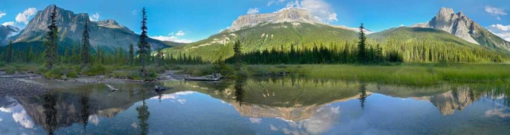 konfigurieren des Kunstdrucks in Wunschgröße Panoramic view of Mt Burgess reflected in Emerald Lake, Yoho National Park, British Columbia, Canada von Fitzharris, Tim