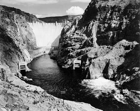 konfigurieren des Kunstdrucks in Wunschgröße Hoover Dam from Across the Colorado River - National Parks and Monuments, 1941 von Adams, Ansel
