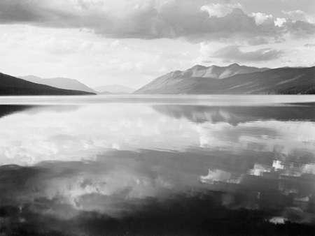 konfigurieren des Kunstdrucks in Wunschgröße McDonald Lake, Glacier National Park, Montana - National Parks and Monuments, 1941 von Adams, Ansel
